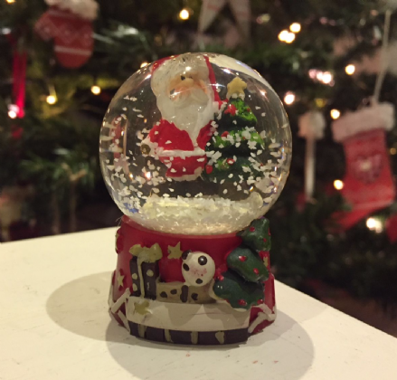 Father Christmas Glass Snow globe ~ Santa & Tree